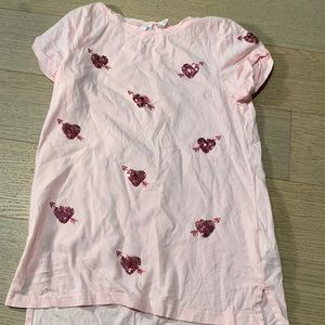 Girls pink T-shirt.